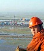 Дешевизна китайской рабочей силы привлекает нефтяников