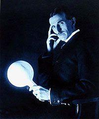 Закончилась столетняя война между двумя великими изобретателями токов Томасом Эдисоном и Николи Тесла