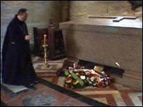 Английские монахи отказали французскому правительству в просьбе передать останки Наполеона III для перезахоронения на родине