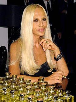 Новая идея Донателлы Версаче: конфеты haute couture Chocolate & Champagne