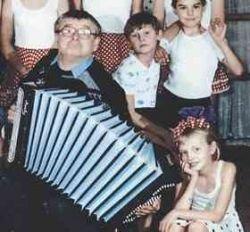 """Алтайский музыкант Александр Малютин вернулся с шоу \""""Минута славы\"""" и покончил с собой"""