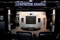 """Cyberdyne Home Theatre - театр в стиле фильма \""""Терминатор\"""" (фото)"""