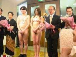 Голые свадьбы стали пиком японской моды (фото)