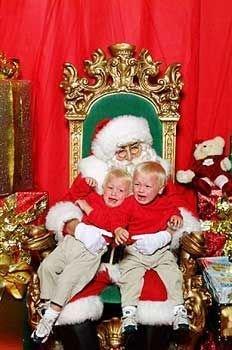 Почему дети боятся Деда Мороза? (фото)
