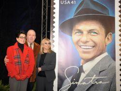Почтовая служба США поместила Фрэнка Синатру на почтовую марку