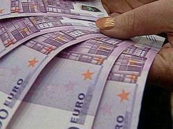 Эксперты: Россияне скупают евро