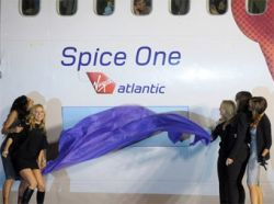 Самолет авиакомпании Virgin Atlantic назвали в честь Spice Girls