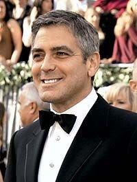 Джордж Клуни получил приз от Михаила Горбачева