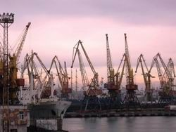 Украина пригрозила закрыть свои порты