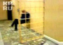 Пожилую женщину избили в милицейском участке (видео)