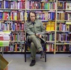 """Московская милиция преследует магазин интеллектуальной литературы \""""Фаланстер\"""" за слишком умные книги"""