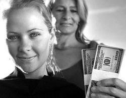 Почему женщины меньше зарабатывают?