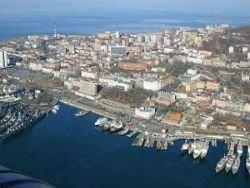 ...сегодня жители одного из районов Владивостока на мысе Чумак, перекрыли дорогу, ведущую к одному из городских.