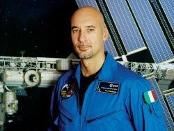 Новость на Newsland: NASA отменило повторный выход астронавтов в космос