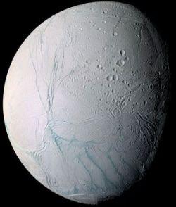 На спутнике Сатурна найдено потенциальное место для внеземной жизни