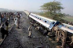 Ужасающая авария в Пакистане (фото)