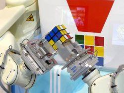 Робот Kawasaki собирает кубик Рубика (видео)
