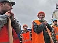 Почти половина москвичей считают влияние мигрантов на рынок труда негативным