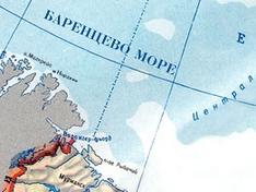 С сухогруза, севшего на мель в Баренцевом море, произошла утечка нефтепродуктов