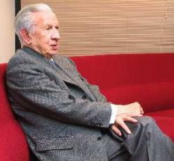 Хуан Антонио Самаранч госпитализирован с диагнозом перенапряжение