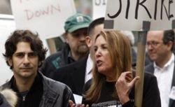 Бастующие голливудские сценаристы ищут поддержку у независимых продюсеров