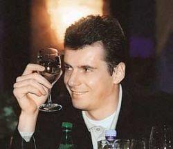Свидетель-ассистент по делу о сутенерстве Михаил Прохоров объявил, что сам отказывается отдыхать во Франции, в США его просто не пускают