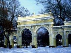 В Одессе из парка украли три четырехтонные пушки