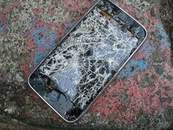 Исследование: юзер ломает iPhone в среднем за 10 недель