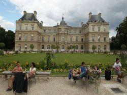 Новость на Newsland: Парижские страсти для иностранных туристов