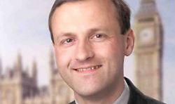 Facebook вышвырнул британского депутата Стива Уэбба