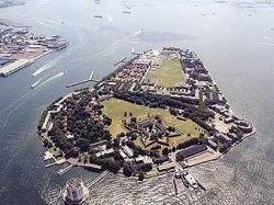 Остров рядом с Манхэттеном Governors Island превратят в гигантский парк