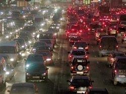 ГАИ Москвы советует автомобилистам отправляться за новогодними подарками в Подмосковье