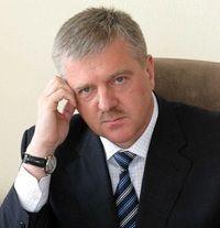 Генерал Сергей Мещеряков, обеспечивающий функционирование теневой экономики, параллельно является главным борцом с организованной преступностью и коррупцией