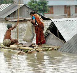 В Индии жертвами наводнения стали десятки человек