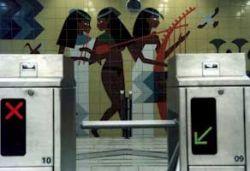 Авария в каирском метро произошла потому, что машинист покинул кабину