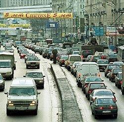 Социологи выяснили отношение москвичей к автомобильным пробкам