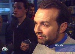Дочь Виктора Шендеровича Валентину арестовали за отказ покинуть зал Пресненского суда