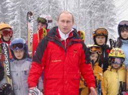 Дети просят у деда Мороза оставить Владимира Путина на третий срок