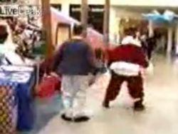 Санта-Клаус задержал вора в супермаркете (видео)