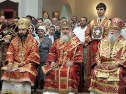 Викарий патриарха призвал священников снять дамские заколки и сандалии