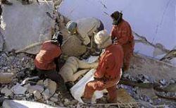 Под завалами здания, рухнувшего в Египте, находятся 25-30 человек