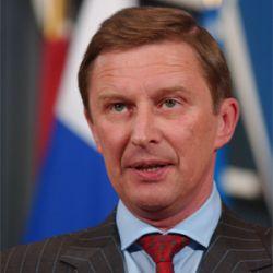 Сергей Иванов сдал дворец без боя