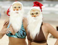 Санта-Клаусы раздеваются на пляжах (фото)