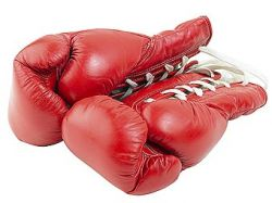 Корейский боксер Чо Йо-Сам выиграл бой и впал в кому