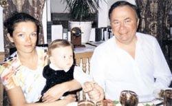 Андрей Караулов вдохновляется, занимаясь развратом: у своей бывшей жены он украл ребенка
