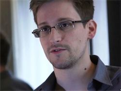 Новость на Newsland: Отец Эдварда Сноудена отложил поездку в Москву