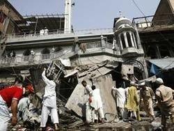 Пакистан: заминированный автомобиль унес жизни 42 человек