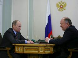 Новость на Newsland: Зюганов обсудит с Путиным тему отставки правительства