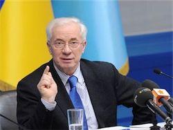 Азаров: происходящее на Украине напоминает госпереворот