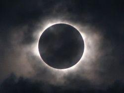 В 2014 году земляне увидят четыре затмения